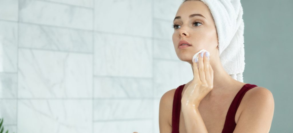 how to use micellar cleanser