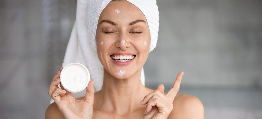 monsoon skincare tip - 4 - moisturize